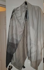 NWOT Vince Camuto Scarf/Shawl/Wrap